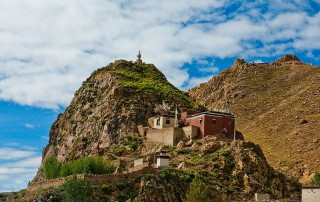 A_monastery_in_tibet